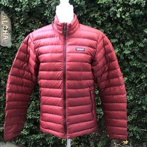 Patagonia light red puffer jacket men small NWT